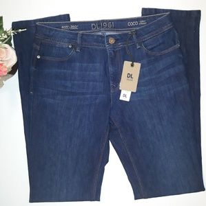 DL1961 CoCo Cury Straight Stretch Jeans